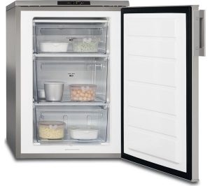 Silver and Stainless Steel AEG ATB81121AX Undercounter Freezer Review