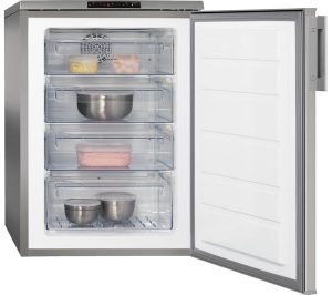 Silver and Stainless Steel AEG ATB8101VNX Undercounter Freezer Review