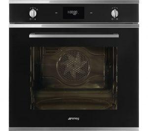 Black Smeg Cucina SFP6401TVN Electric Oven Review